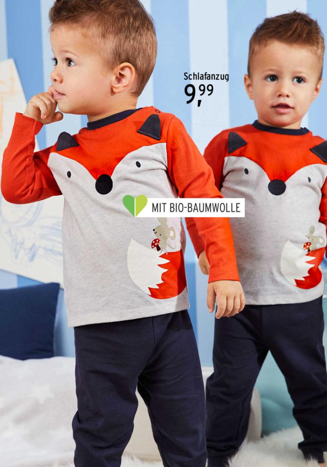 Junge mit Fuchs-Pullover