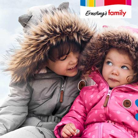 Mädchen in Schneekleidung