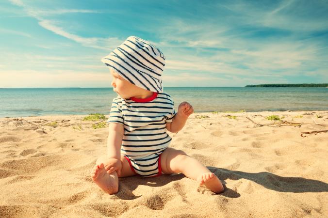 Baby Strand Sonnenstich