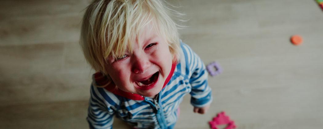 Banner: 7 Sätze, mit denen du dein trotziges Kind beruhigst