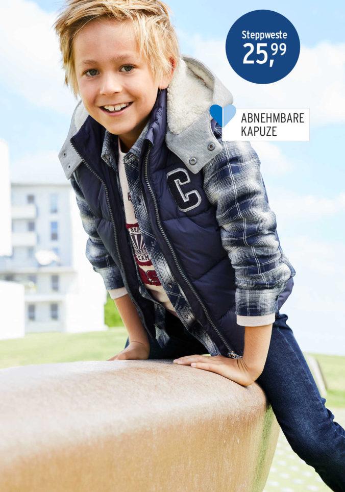 Junge auf einem Spielplatz