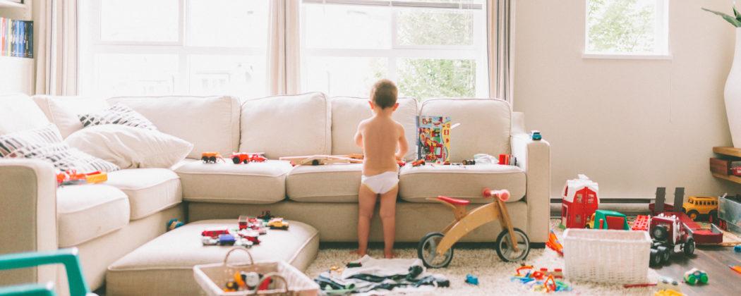 Banner: 5 Tipps, wie dein Kind lernt, alleine zu spielen