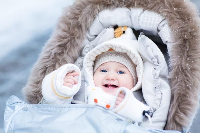 Baby im Kinderwagen