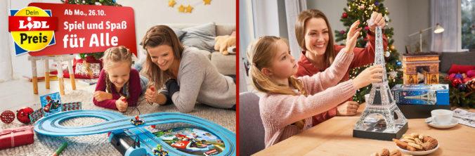 Mutter und Tochter spielen zusammen