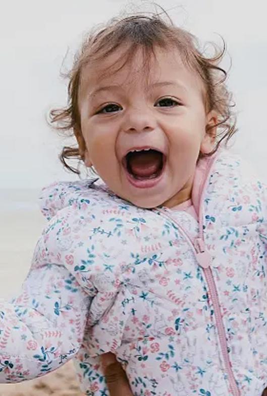 Baby in Winterjacke