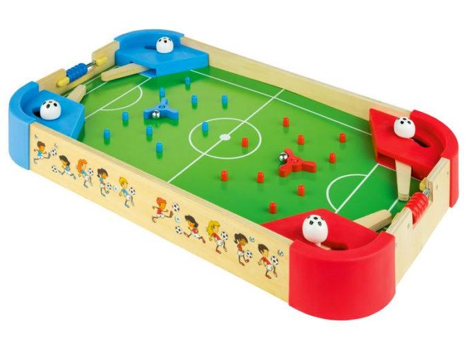 Fußballflipper aus Holz