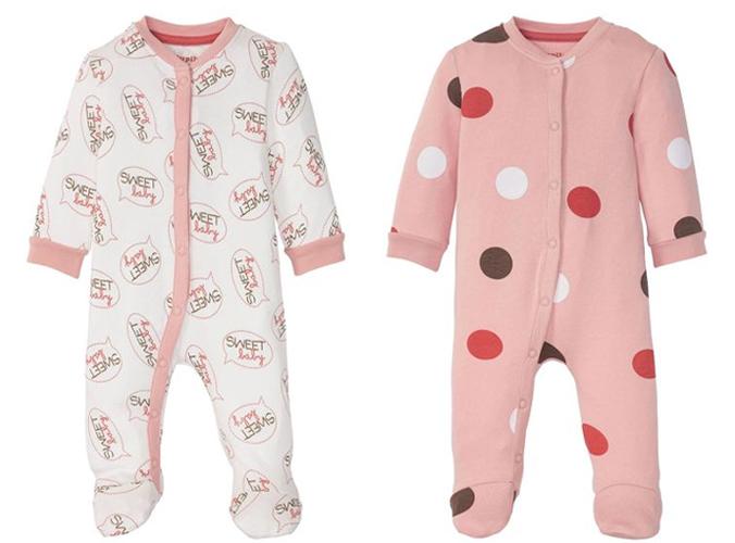 Zwei Baby Schlafoveralls