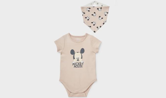 Set aus Baby-Body und Dreieckstuch