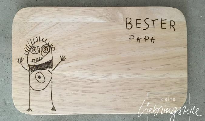 Holzbrettchen mit deiner Zeichnung