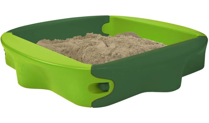 Sandkasten mit bespielbarer Abdeckung