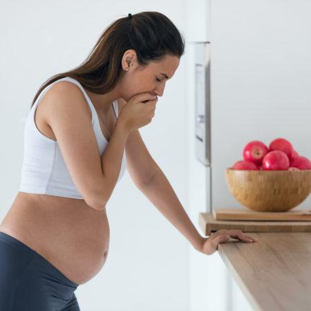 Schwangere mit Übelkeit